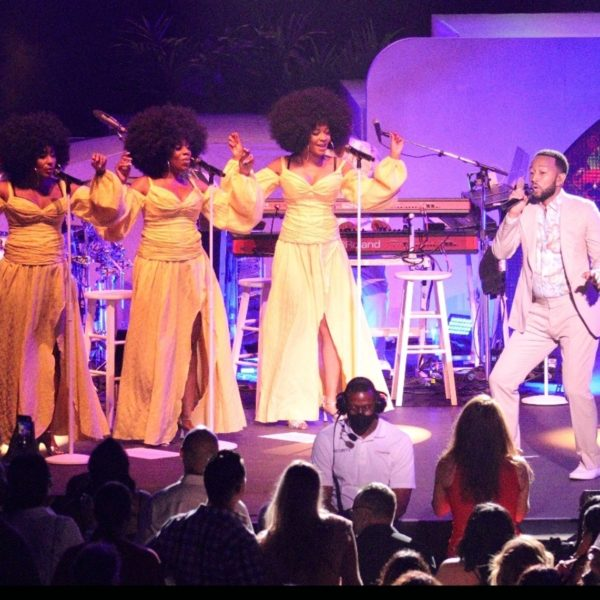 John Legend Brought a Bright, Sexy Lovefest to Arizona Federal Theatre